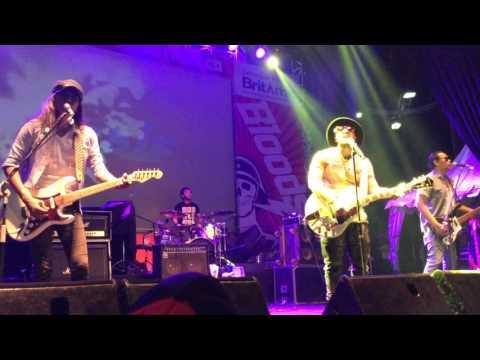 NAIF - Karena Kamu Cuma Satu (LIVE at Jakcloth Summer Fest 2016)