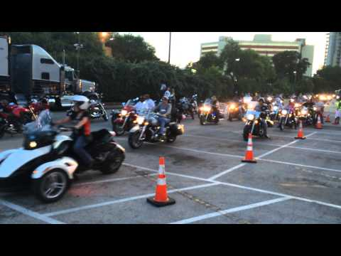 ROT Republic of Texas Rally 2014 Statesman Down Town Group Ride Entrance June 14th