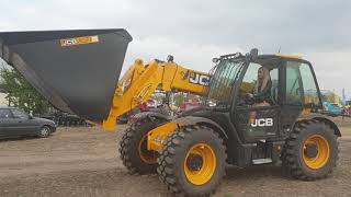 Farm #WithMe Cow Farming Milk Pig Feeding Pretty Girl JCB Tractor Driver Combine Cleaning​ 2021