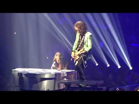 Big 95 Morning Show - Aerosmith rediscovers their passion in Las Vegas
