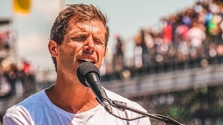 Jon McLaughlin Sings 'God Bless America' at the 2018 Indy 500