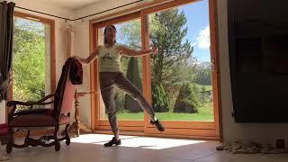 Exercice danse classique à la barre, les jetés
