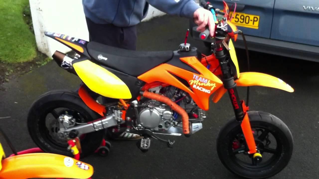 pit bike super moto gt yx 160 39 s doovi. Black Bedroom Furniture Sets. Home Design Ideas