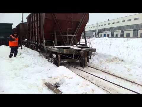 Сход ЖД вагонов (подъём с помощью лягушек)