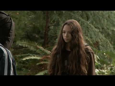 The Twilight Saga: Ese  Bree Tanner Featurette  Jodelle Ferland