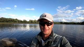 Вечером на рыбалку недалеко от Города Ловля щуки и окуня на спиннинг с лодки