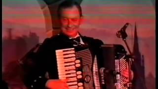 Jim Johnstone at Jamies Scottish Evening,Accordion Feature.