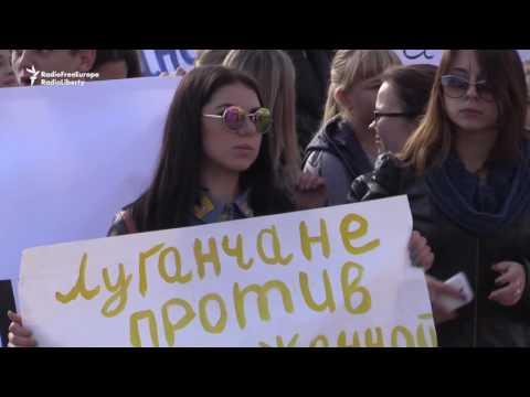 Pro-Russia Separatists Protest OSCE In Eastern Ukraine