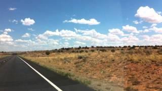 アメリカ・アリゾナ州をドライブ中、助手席からIphoneで撮影。 手持ち撮...