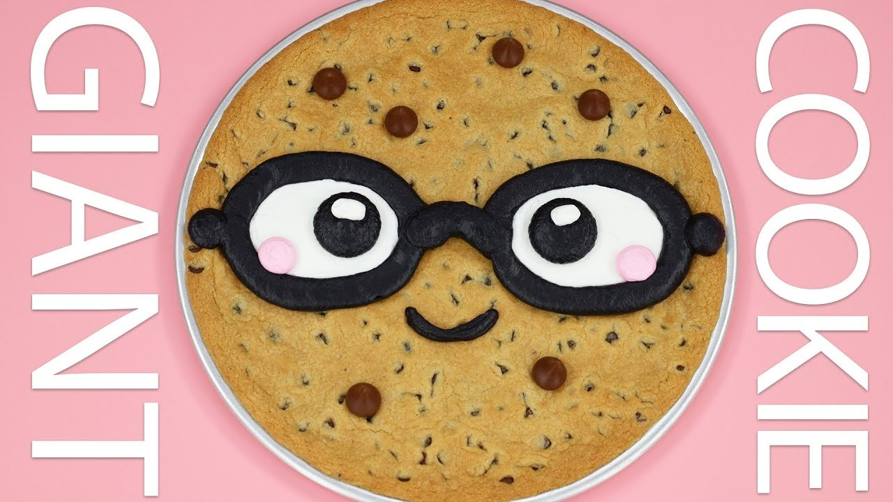 how to make a giant cookie cake nerdy nummies youtube