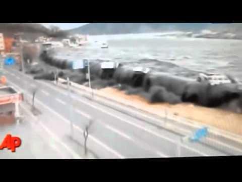 2011 Tohoku Tsunami by: CC