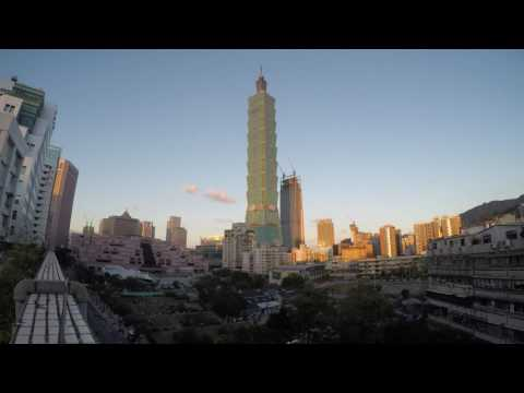 Taipei 101 - Timelapse from a rooftop on the 1st day of 2017