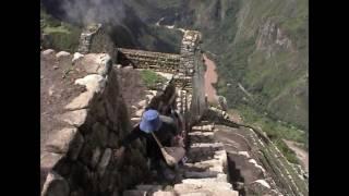 Мачу-Пикчу, Тропа Инков, Перу, взгляд очевидца. Machu-Picchu(Мачу-Пикчу, Перу http://wildrussia.travel/tur-v-peru-i-boliviyu Заброшенный, а ныне знаменитый город инков в Перу, несмотря на..., 2011-10-09T15:01:36.000Z)