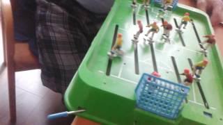 Играем в настольный футбол с дедом