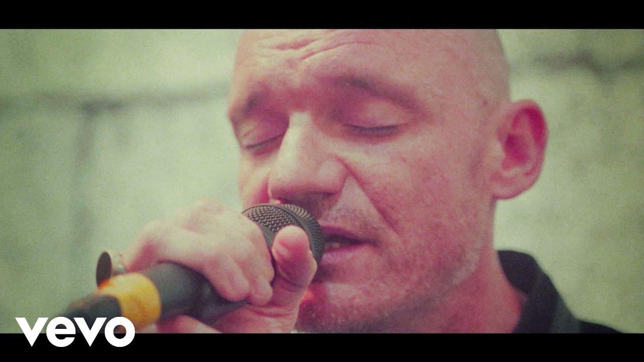 gaetan-roussel-la-simplicite-live-session-gaetanrousselvevo