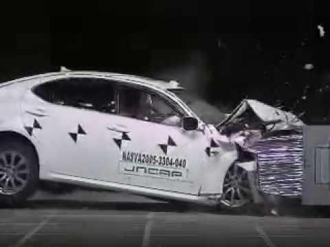 自動車アセスメント:トヨタレクサスIS:オフセット前面衝突試験
