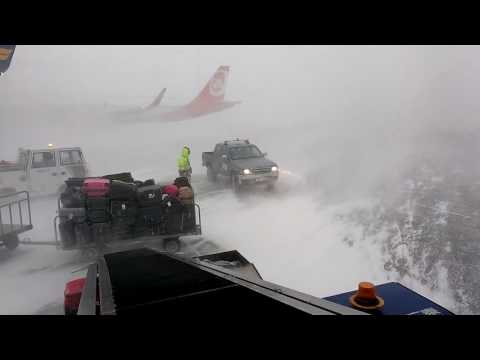 Iceland Keflavik Airport blizzard 2017.01.05