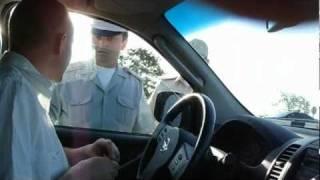ГАИ, Крым, Джанкой,(Сотрудник джанкойского ГАИ майор Венгер выхватывает камеру., 2010-09-09T10:37:26.000Z)