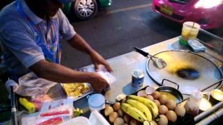 曼谷NANA站的香蕉煎餅