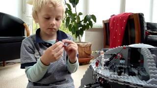 Repeat youtube video LEGO Death Star 10188 Junior Builder