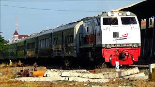 Suara Merdu Semboyan 35 Klakson Lokomotif Kereta Api Indonesia (Kompilasi Video Terbaik) Part 2