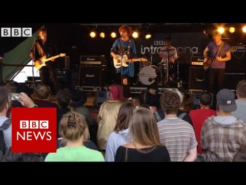 UK band Viola Beach 'killed in Sweden' - BBC News