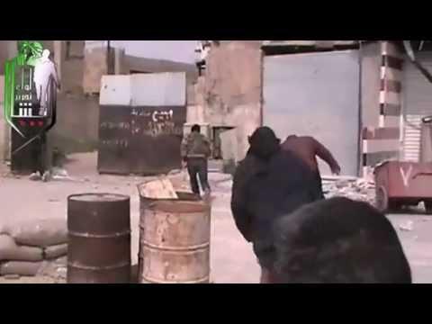 قائد لواء تحرير الشام النقيب فراس بيطار يتفقد الخطوط الامامية في جوبر بقلب دمشق 15-3-2013