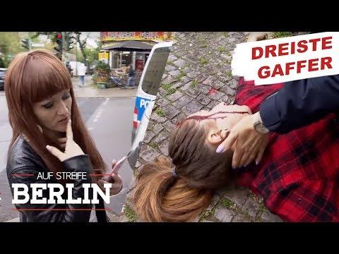 Schaulustige fotografieren schwer verletzte Frau | Auf Streife - Berlin | SAT.1 TV