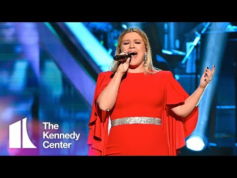 Kelly Clarkson honors Reba McEntire | 2018 Kennedy Center Honors Mp3