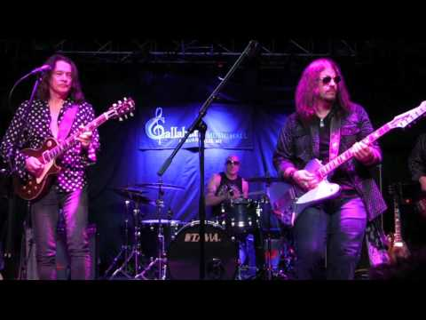 ''GOOD TIMES'' - SUPERSONIC BLUES MACHINE Wsg ROBBEN FORD @ Callahan's, July 2017
