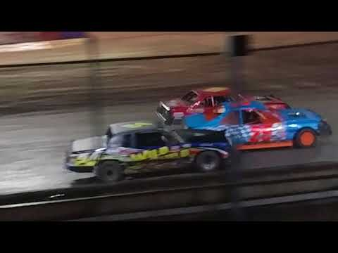 IMCA stock car a main Kennedale Speedway