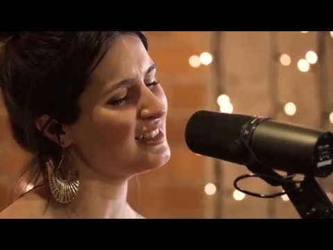 Falling Autumn - alayna live at Roundhead Studios