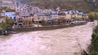 Inondation Sainte Enimie novembre 2011.wmv