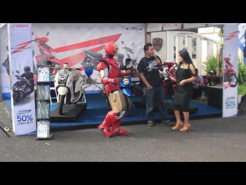 Iron man dancing dangdut