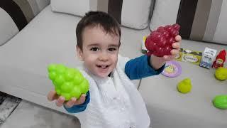 Pazarcı Amca Buğra Berat'a Sebze Meyve Sattı. Eğlenceli Çocuk Videosu