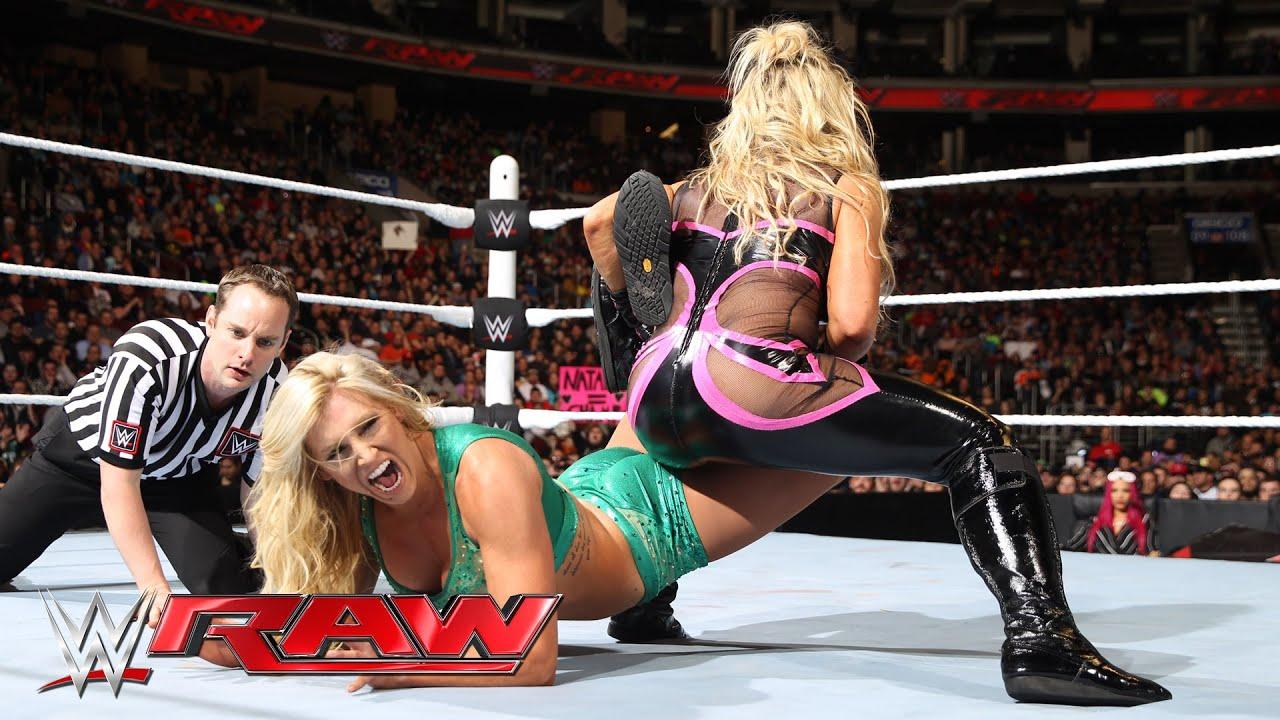 Nikki bella vs naomi extreme rules 2015 - 1 8