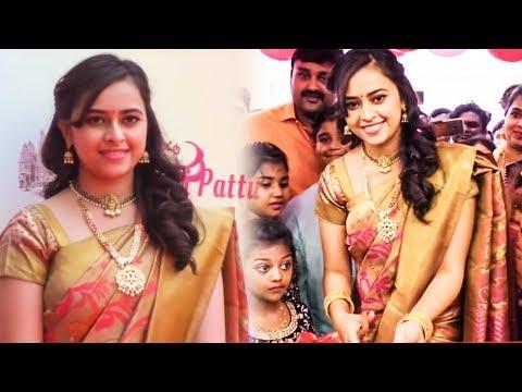 Gorgeous Actress Sri Divya Wear Traditional Saree@Sri Kanchi Pattu Showroom Launch