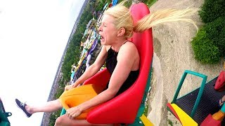 BLONDE GIRL FUNNIEST ROLLER COASTER REACTION EVER! NEW! 2017