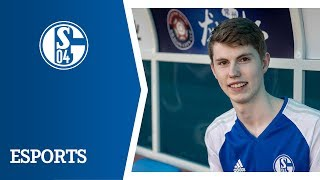 Schalkes Esportler Tim Latka begleitete den S04-Tross ins Reich der...