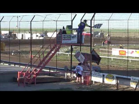 Steven Richardson cashes in on the dash / 4-242016 / URSS Sprint Cars / Wakeeney Speedway