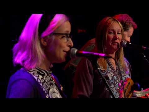 Laura Veirs - Best Kept Secret (Live on eTown)