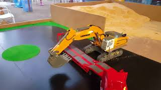 Download Video RC Excavator RC kepçe Uzaktan kumandali kepçe iş makinasi MP3 3GP MP4
