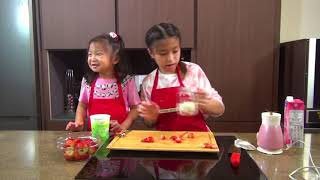 Cooked by Celine Tam - How To Cook Strawberry Smoothie