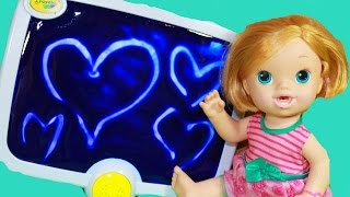 BABY ALIVE Doll Plays CRAYOLA Mess Free Touch Lights Color Change Fun DIY Art Toddlers KIDS