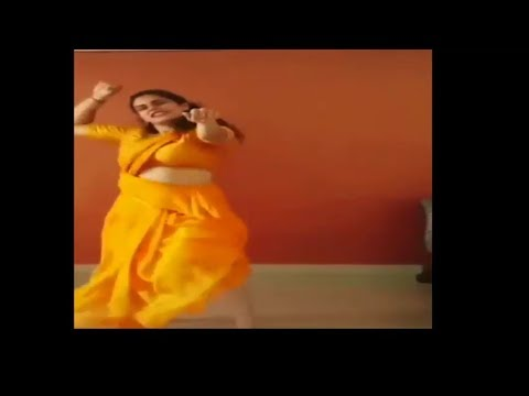Indian Private Home Dance of    Desi Local Sexy Girl    At Marathi song    so hot and sexy dance
