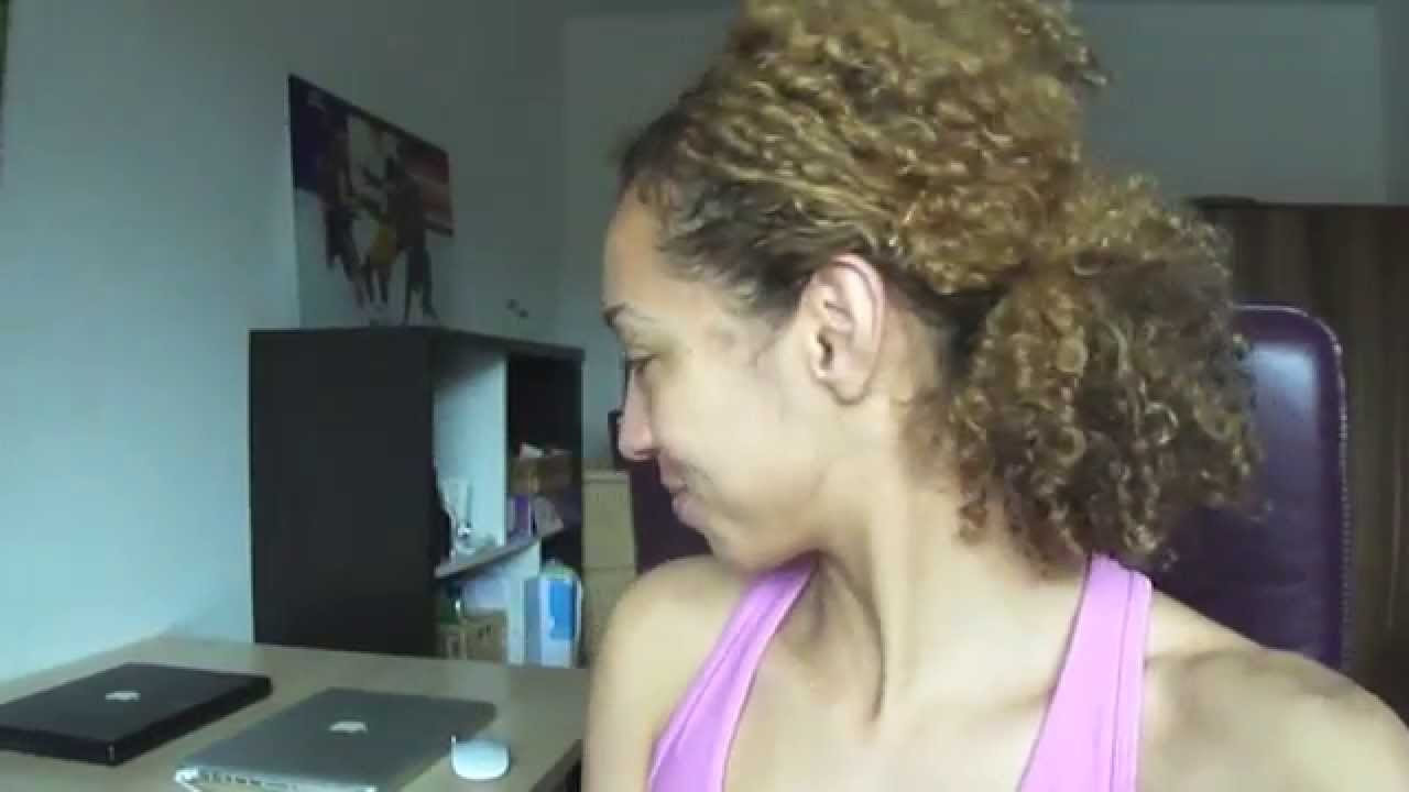 Quick Gym Hairstyle For Curly Hair