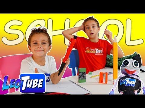 Leo y Mikel estudian en el colegio 🏫 de la Profesora Grapadora 📝