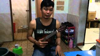 Belajar  memainkan ukulele dan cara stem senar ukulele