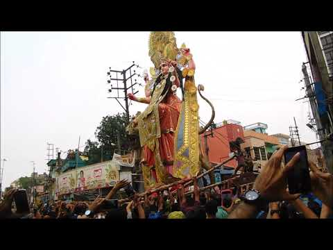 Chandannagar Biggest Pratima(Joti Tematha) is about to  departure for a long  jounery.