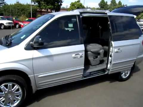 2004 chrysler town country limited minivan youtube. Black Bedroom Furniture Sets. Home Design Ideas